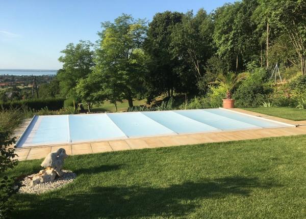 Pool Rollschutzabdeckung Swisssave in transluzent