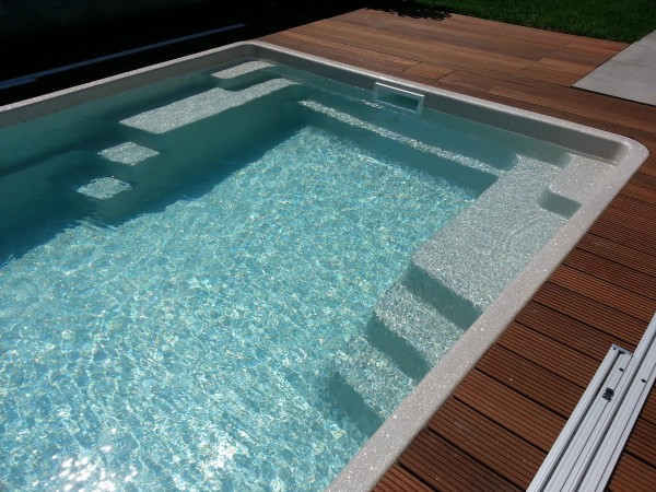 Ceramic Pool Crystal - GFK-Fertigpool mit 2 seitlichen Treppen